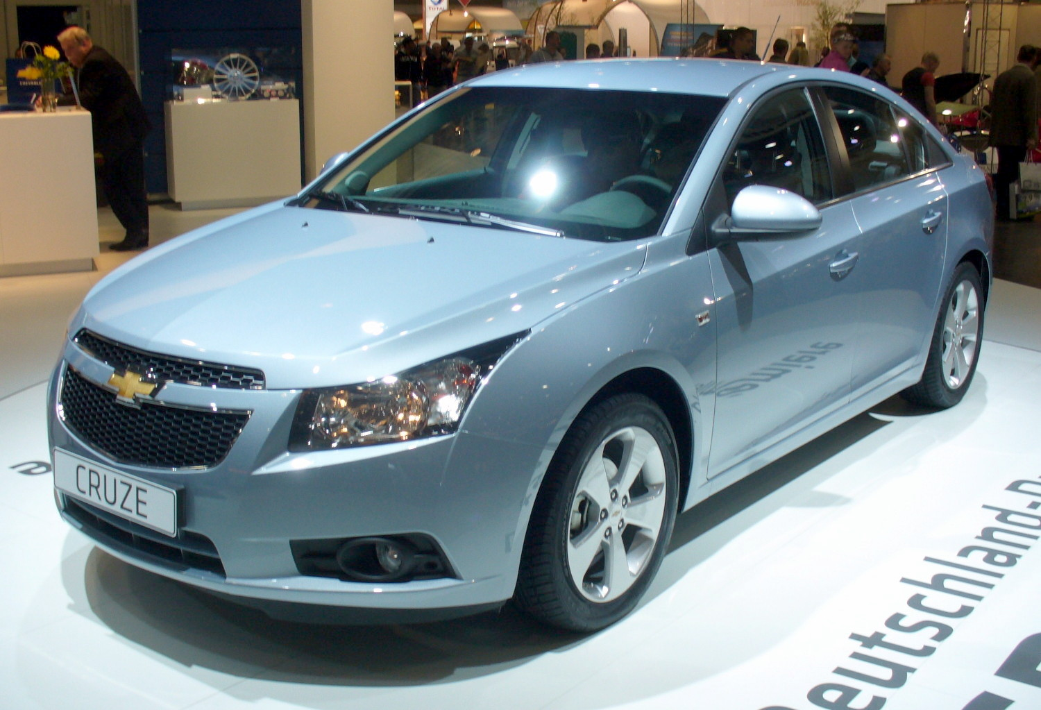 http://aparanjape.files.wordpress.com/2010/02/chevrolet_cruze.jpg
