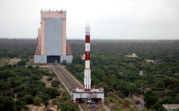 pslv-way-to-launchpad-vab